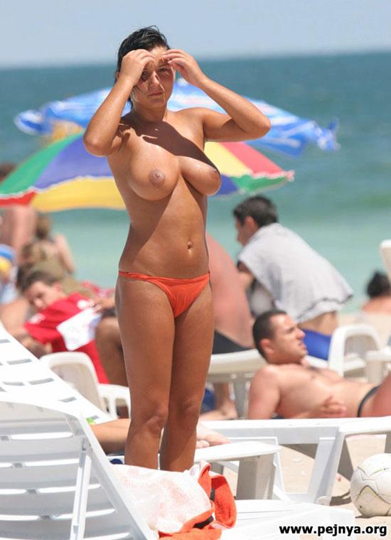 Голые девушки на пляжах
